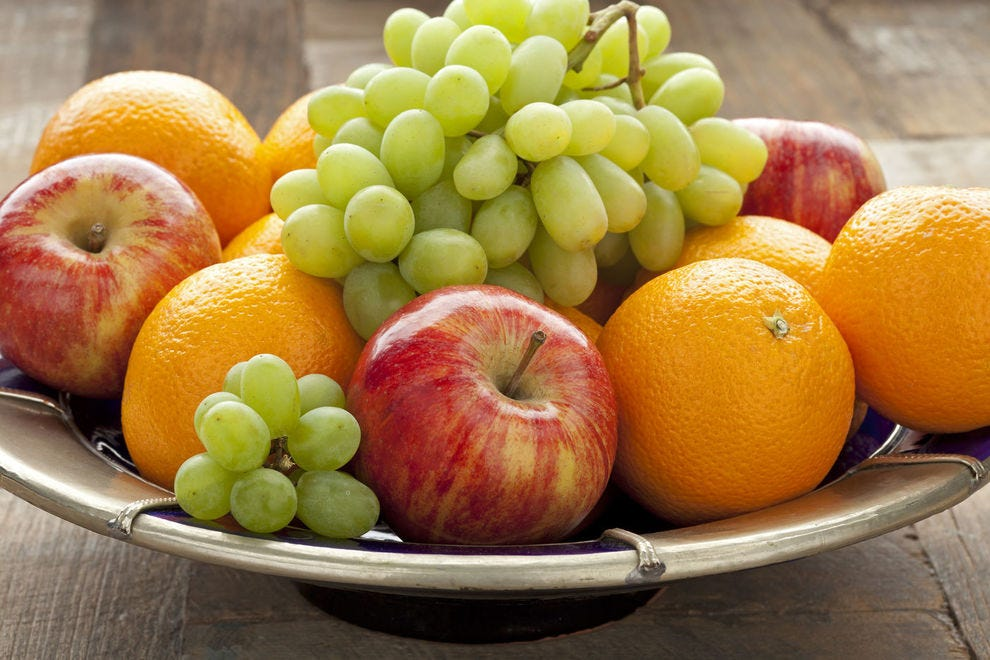 There are several ways to celebrate New Year's with round fruits