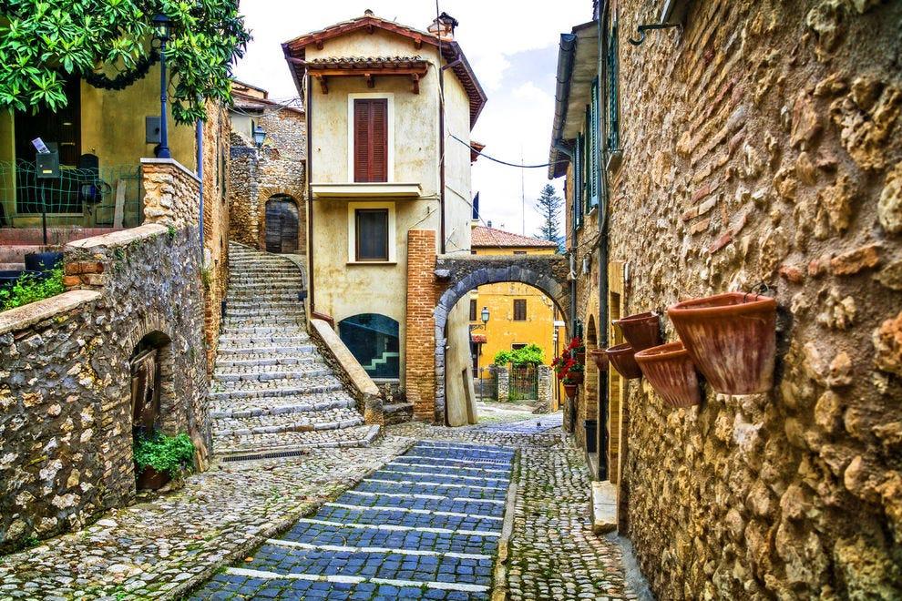 Alley in Casperia, Italy