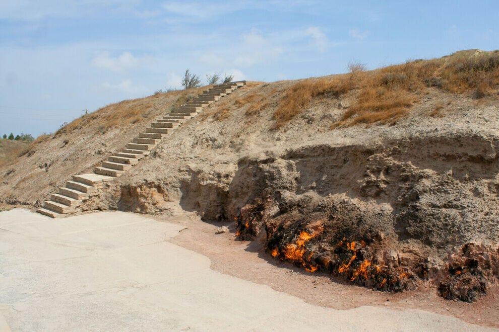 Yanar Dag - burning mountain