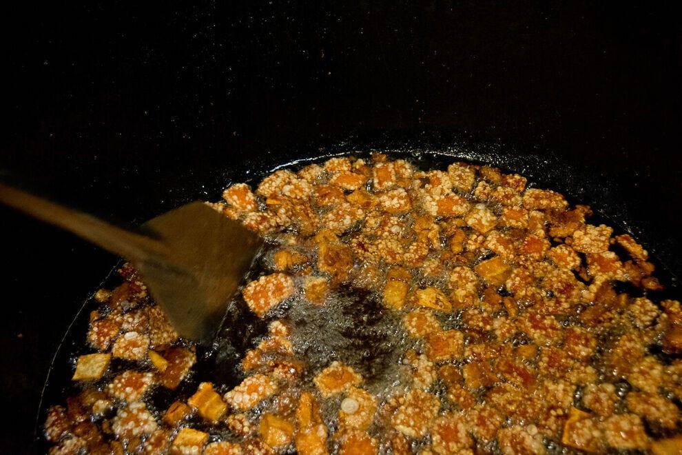 Cooking pork cracklins