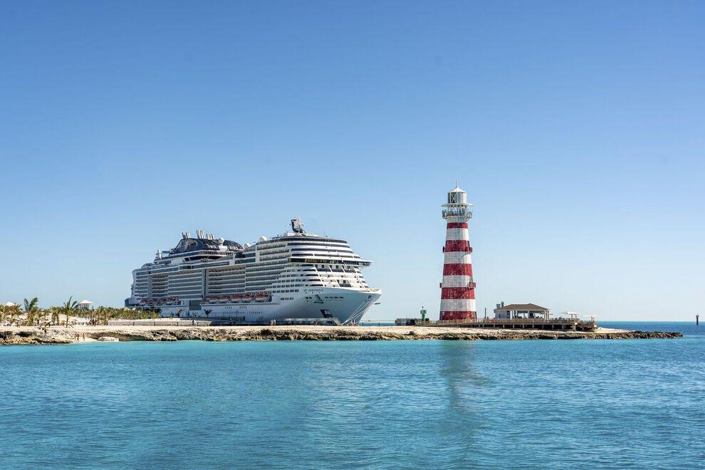 السفينة الفائزة تحمل 4500 راكب