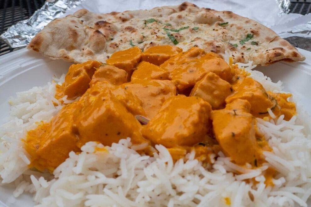 Jasmine usually orders the salmon tikka masala with garlic naan