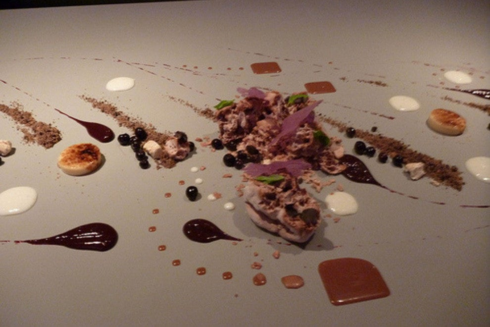 Alinea chicago restaurants review 10best experts and for Cuisine alinea