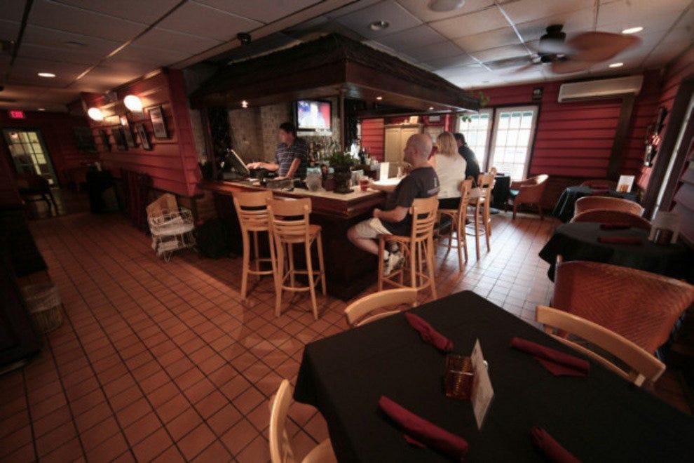 Toast restaurant charleston restaurants review 10best for Fish restaurant charleston sc