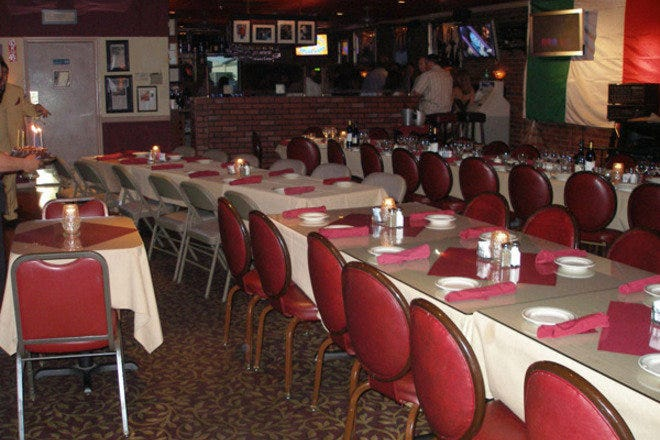 Live entertainment and banquet seating at Casa di Amore Italian restaurant in Las Vegas, NV