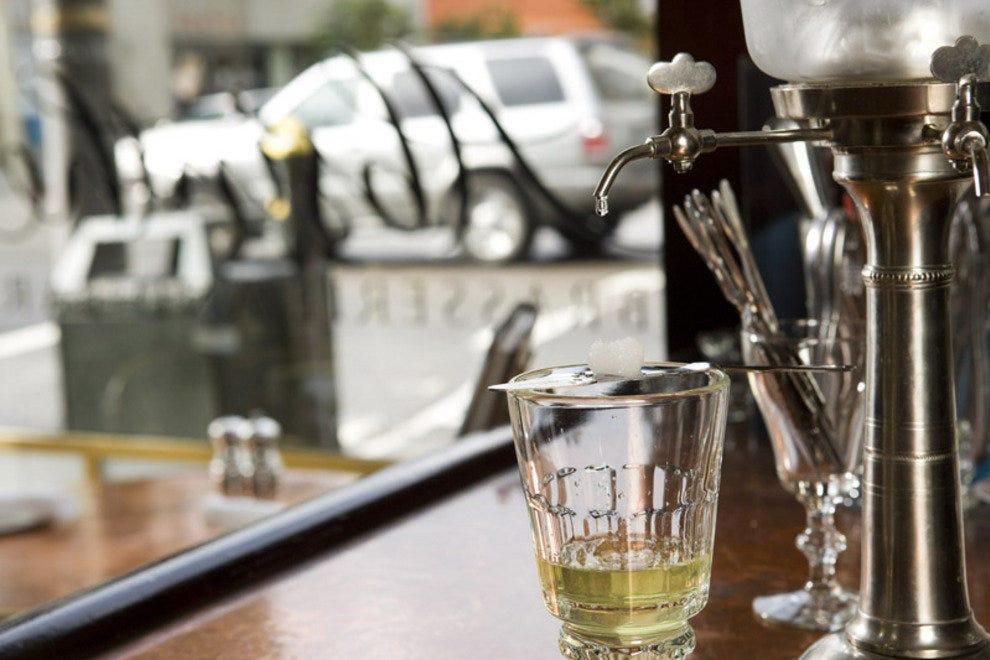 苦艾酒和酒吧