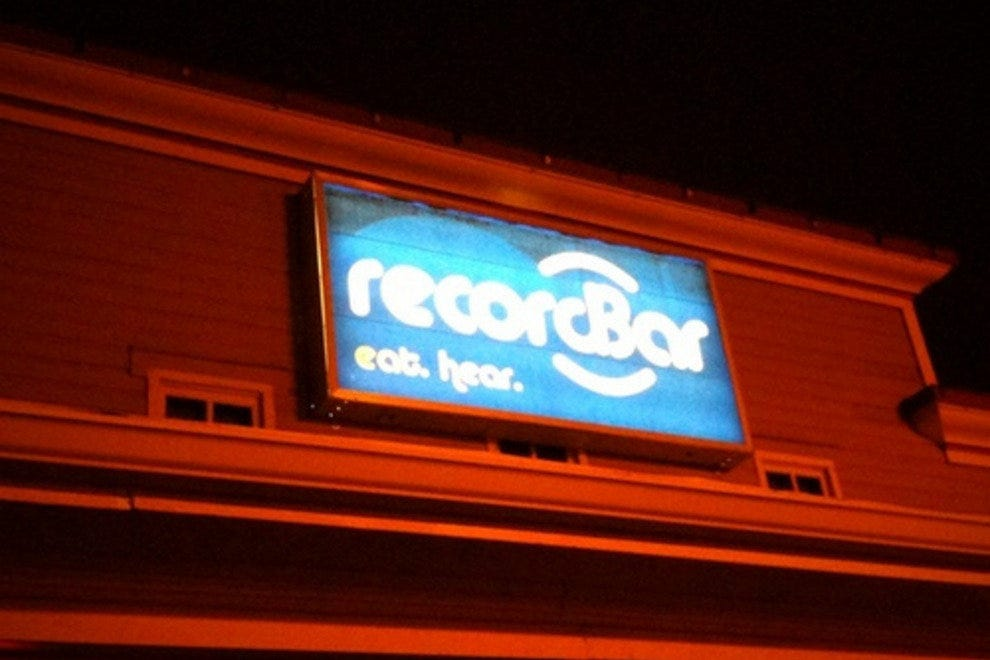 Record bar kansas city nightlife review 10best experts for Food bar blayney