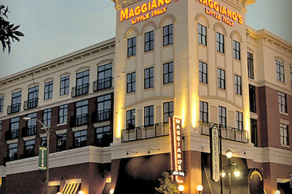 Maggiano S Restaurant Near Me