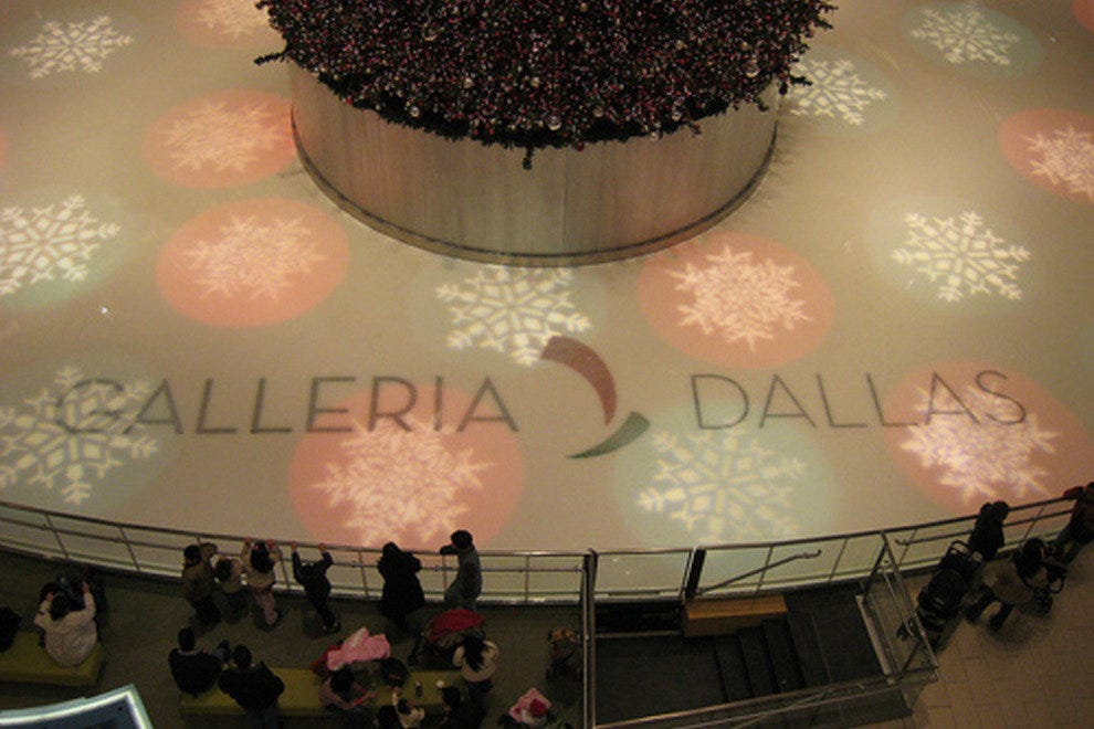 Galleria Ice Skating Center