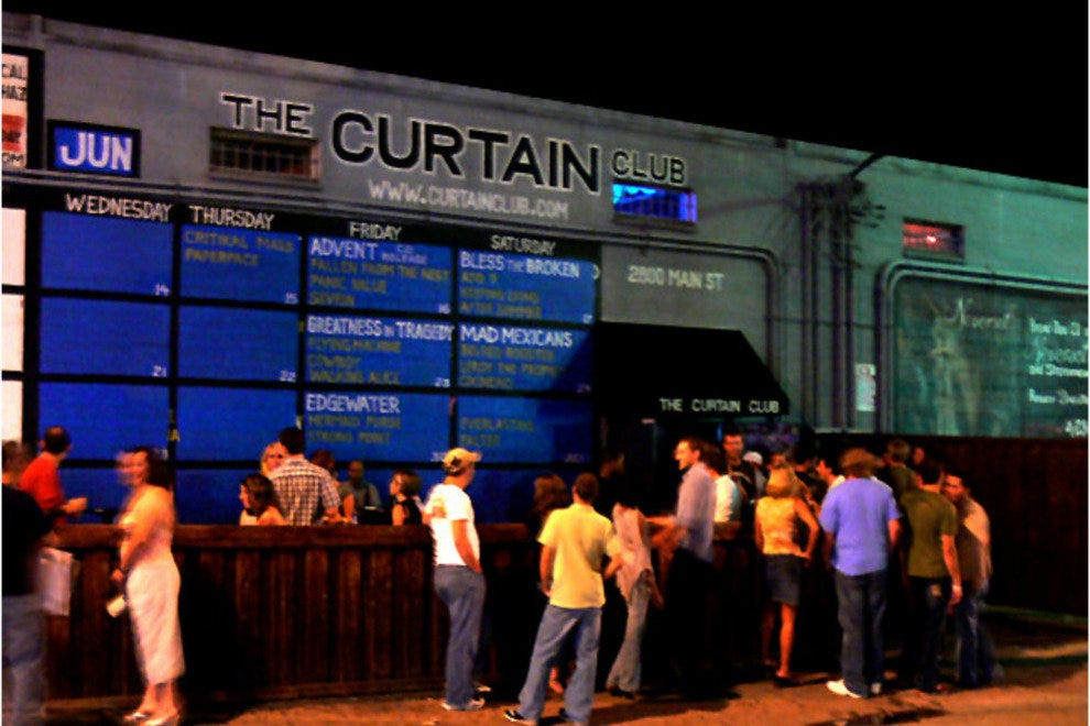 Curtain Club & Liquid Lounge