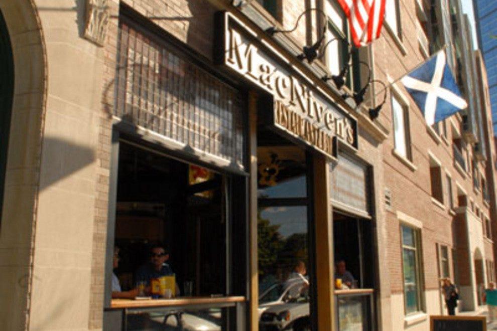麦克尼文的餐厅和酒吧