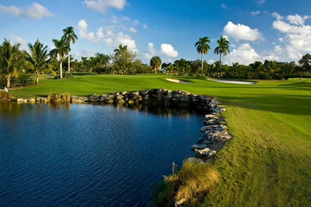 Jacaranda golf club fort lauderdale attractions review for Dining near bb t center