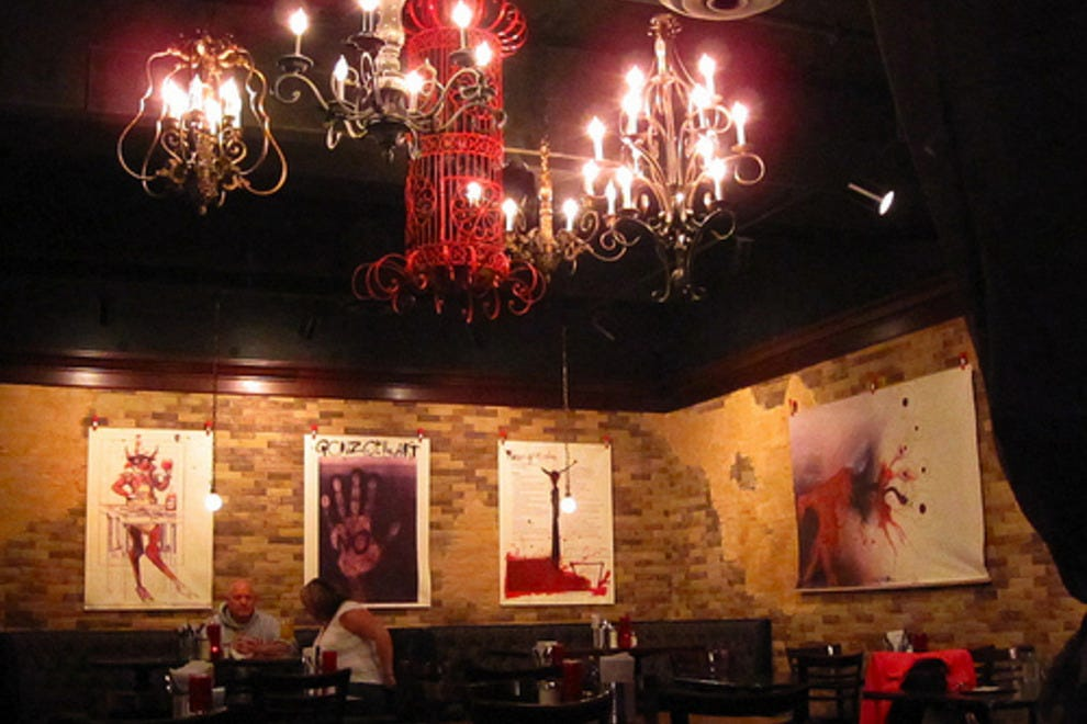 Hell 39 s kitchen minneapolis restaurants review 10best for Best private dining rooms minneapolis