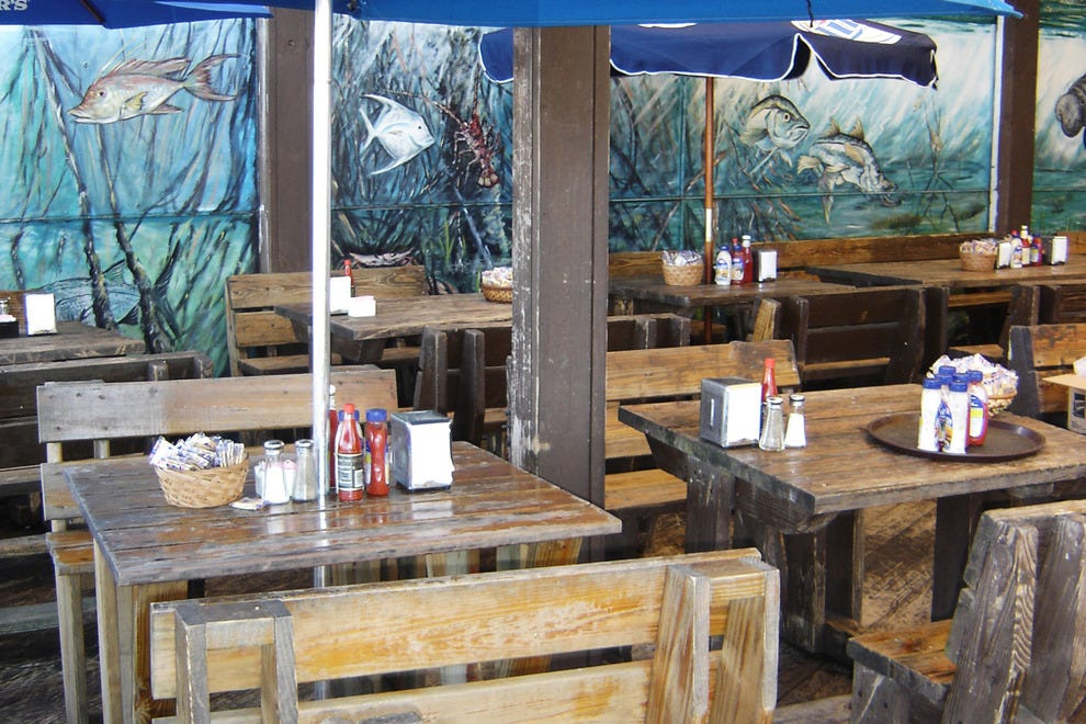 Garcia 39 s seafood grille fish miami restaurants review for Garcia s seafood grille fish market miami fl