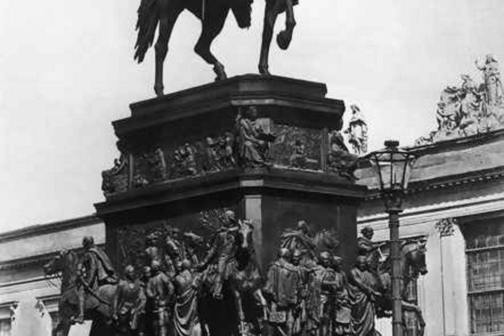 Frederick the Great Statue