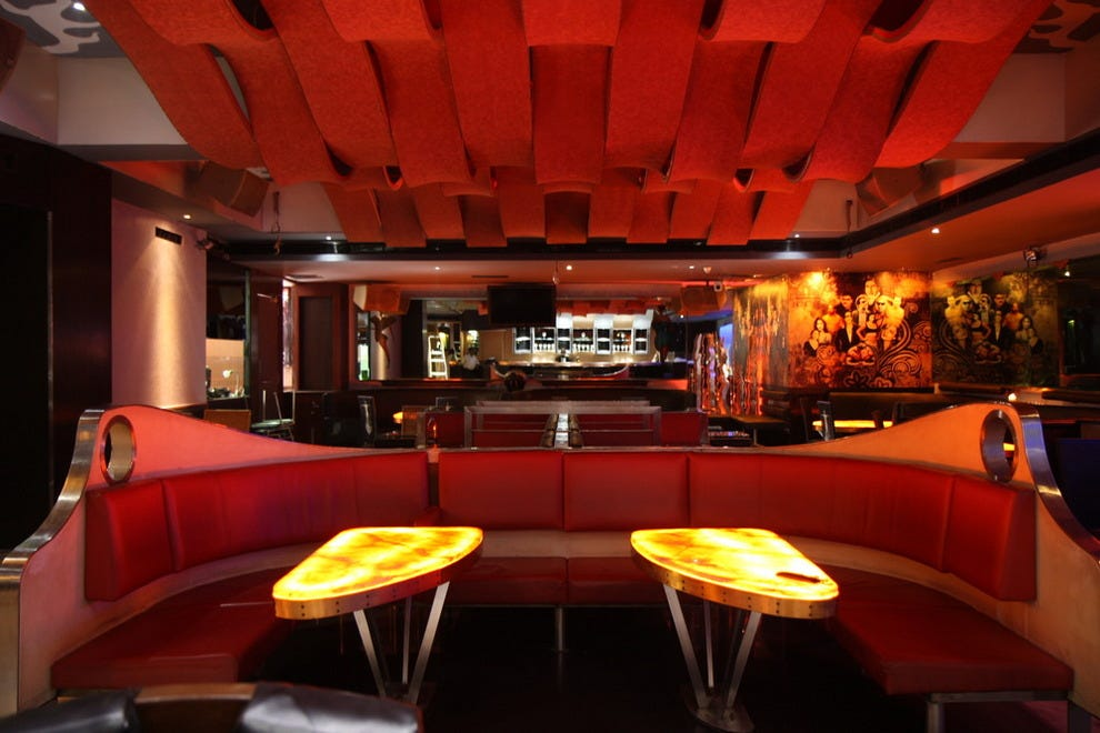 Vienna bar berlin nightlife review 10best experts and for Food bar vienna
