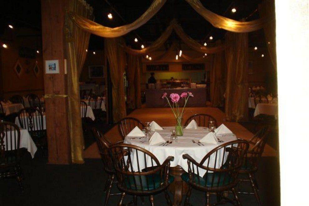 haweli edmonton restaurants review 10best experts and. Black Bedroom Furniture Sets. Home Design Ideas