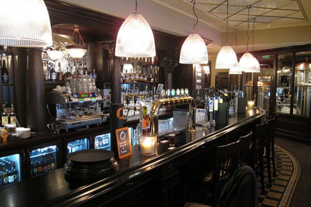 Oslo nightlife night club reviews by 10best for Food bar oslo