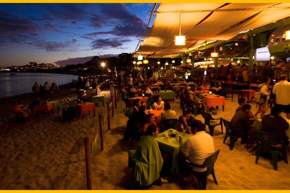 Surf Burgers >> Beach Bars: Nightlife in Cabo San Lucas