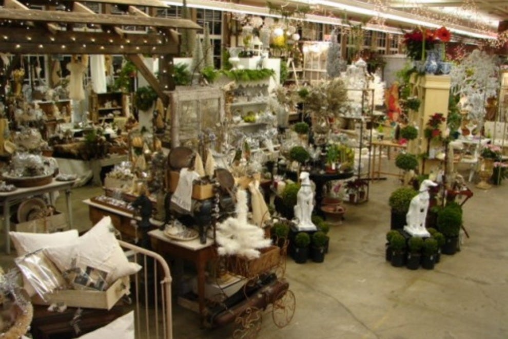 Monticello Antique Marketplace Portland Shopping Review