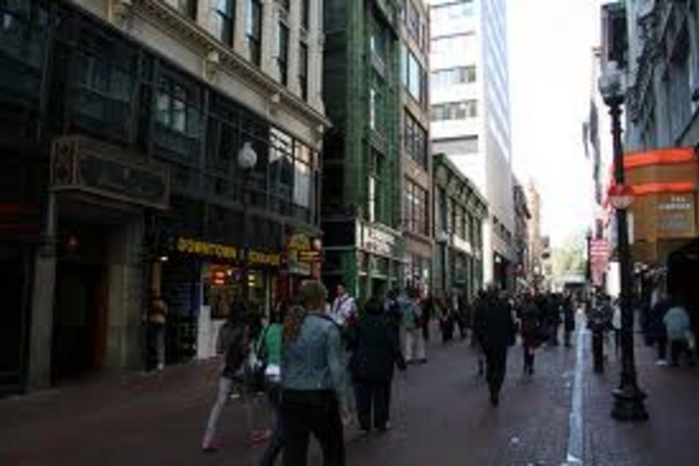 Feb 15, · Downtown Crossing is almost like an outdoor shopping mall. I don't know that they did this on purpose but it seems to have worked out well with the usual shopping mall vendors you'd expect to see, along a mostly pedestrian-only set of streets in Boston.3/5(69).