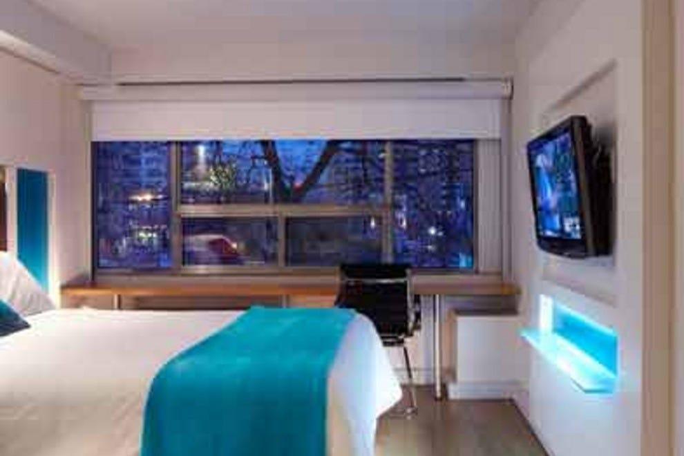 bond place hotel toronto hotels review 10best experts. Black Bedroom Furniture Sets. Home Design Ideas