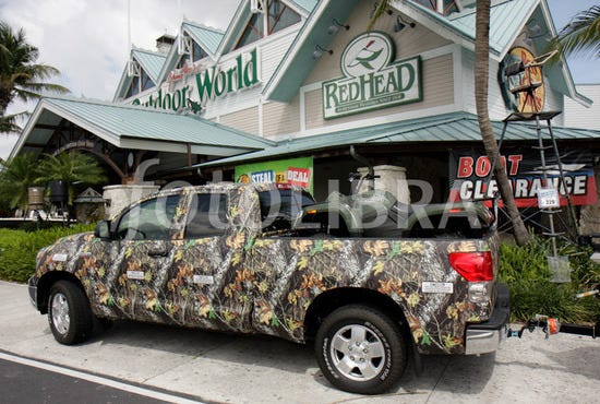 bass pro shop 39 s outdoor world fort lauderdale shopping. Black Bedroom Furniture Sets. Home Design Ideas