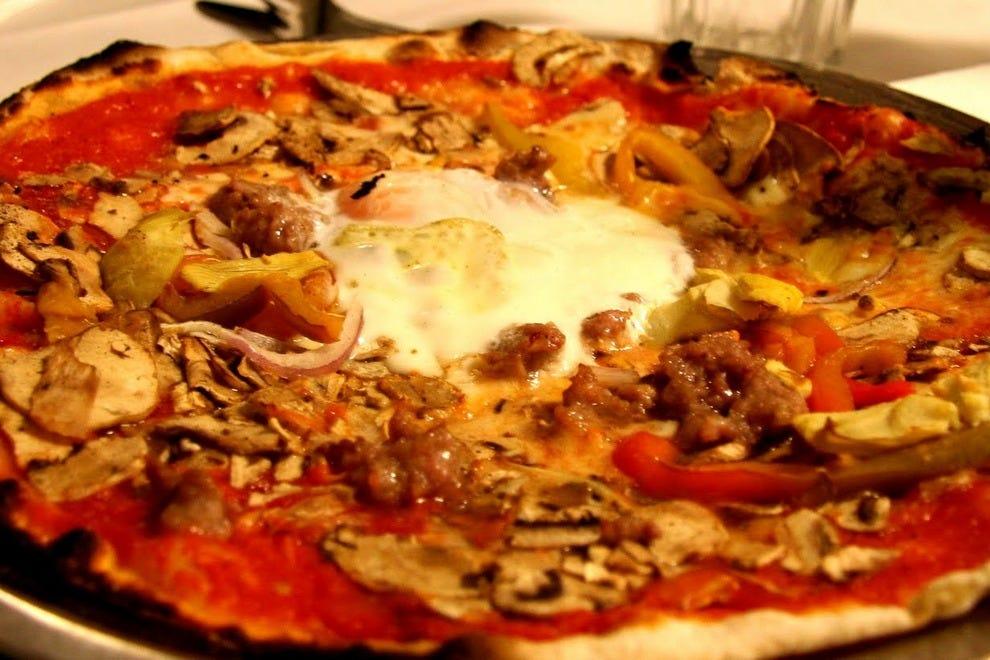 pizzeria da baffetto rome restaurants review 10best experts and tourist reviews. Black Bedroom Furniture Sets. Home Design Ideas