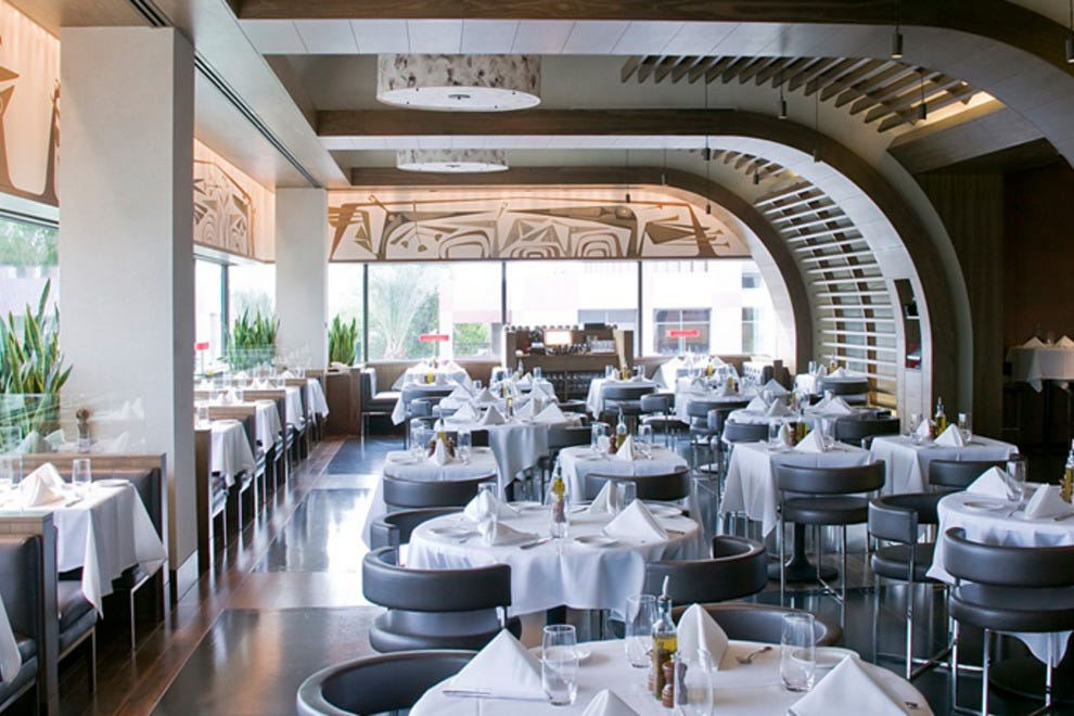 Fred S At Barneys New York Chicago Restaurants Review
