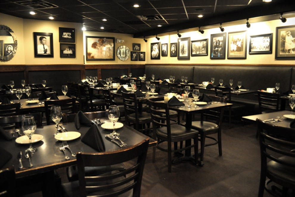 Garozzo 39 s ristorante due kansas city restaurants review for Best private dining rooms kansas city